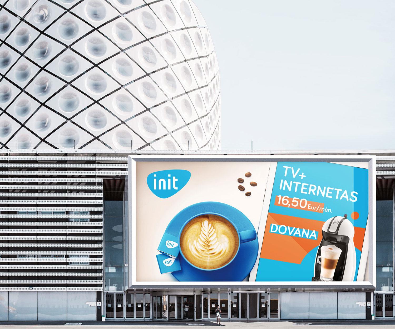 INIT kampanijos stendas su kava
